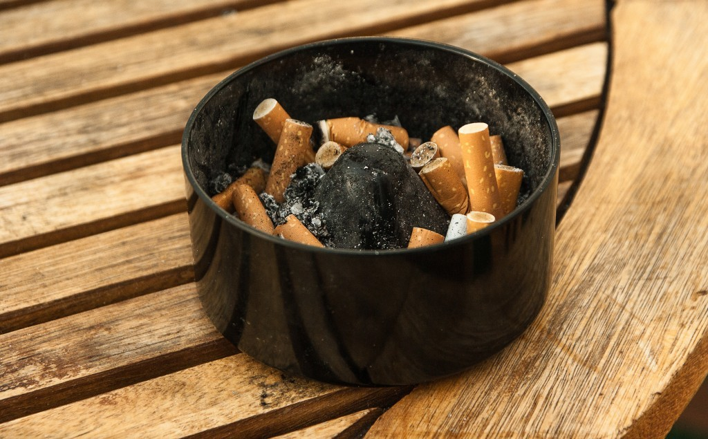 ashtray-1265455
