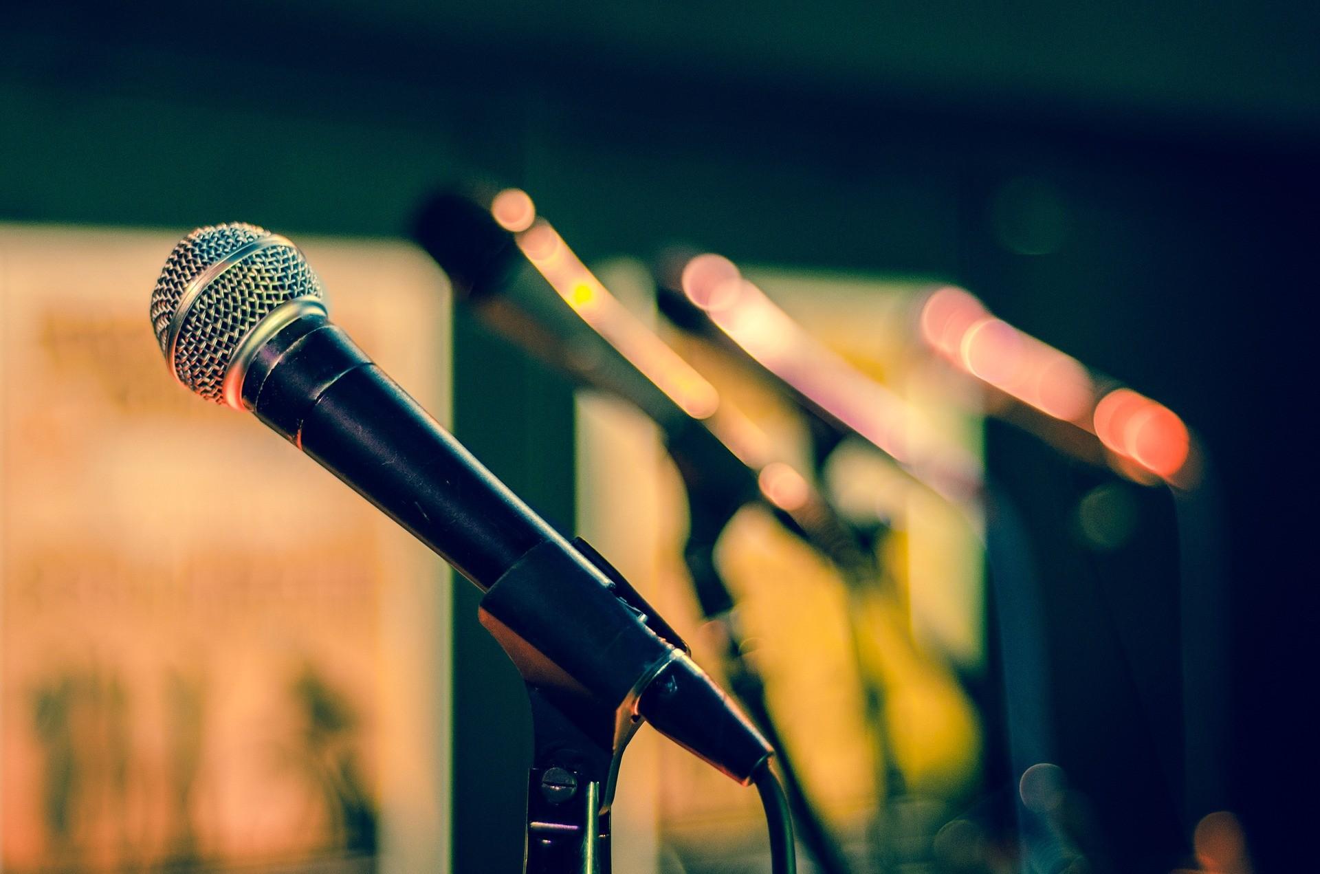 mic-public speaking-fear